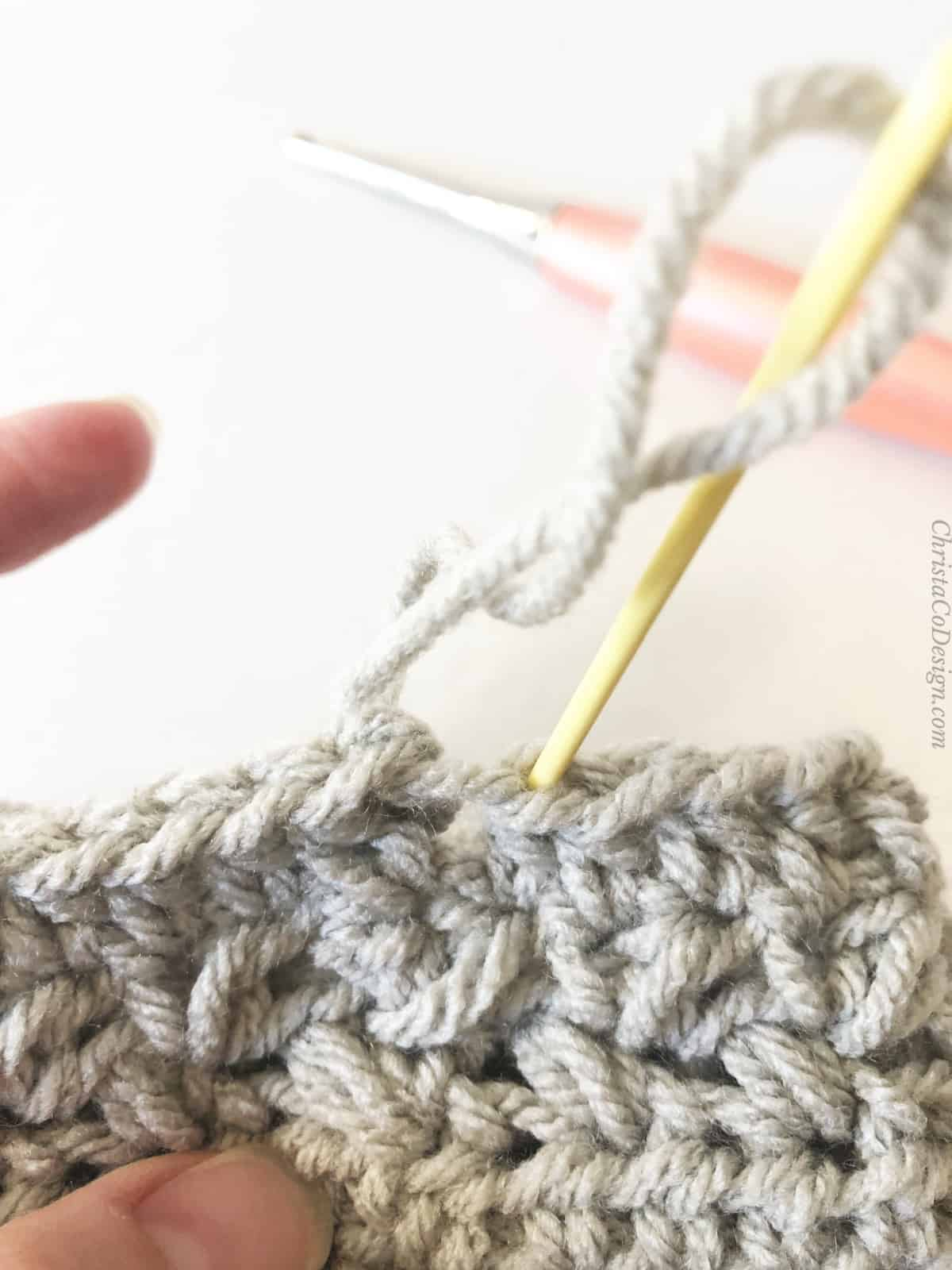 picture of invisible join with yarn needle
