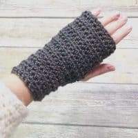 picture of women's fingerless gloves crochet pattern for beginners