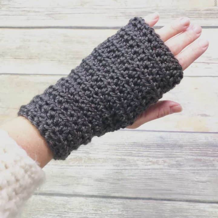 picture of women's fingerless gloves crochet pattern for beginners