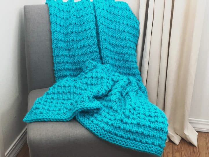 picture of easy chunky knit nocca blanket