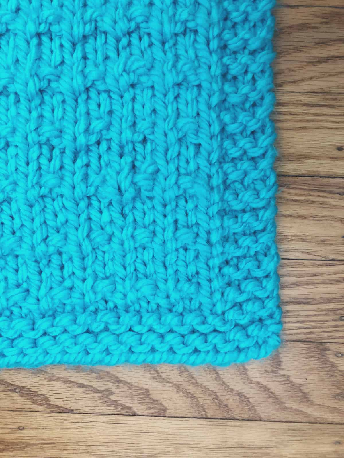 picture of border blue easy knit blanket pattern chunky
