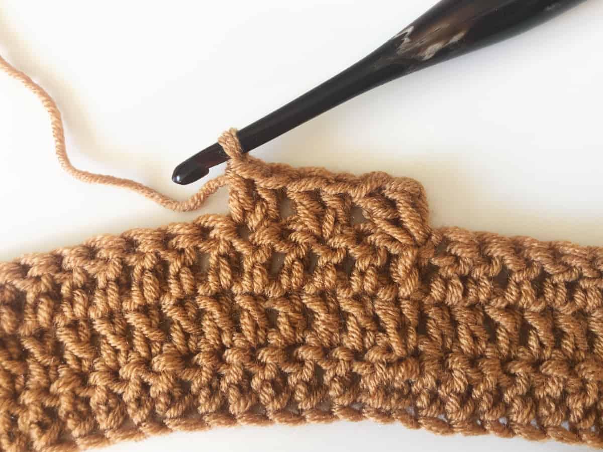 Rows 1-4 on sera crochet sweater.