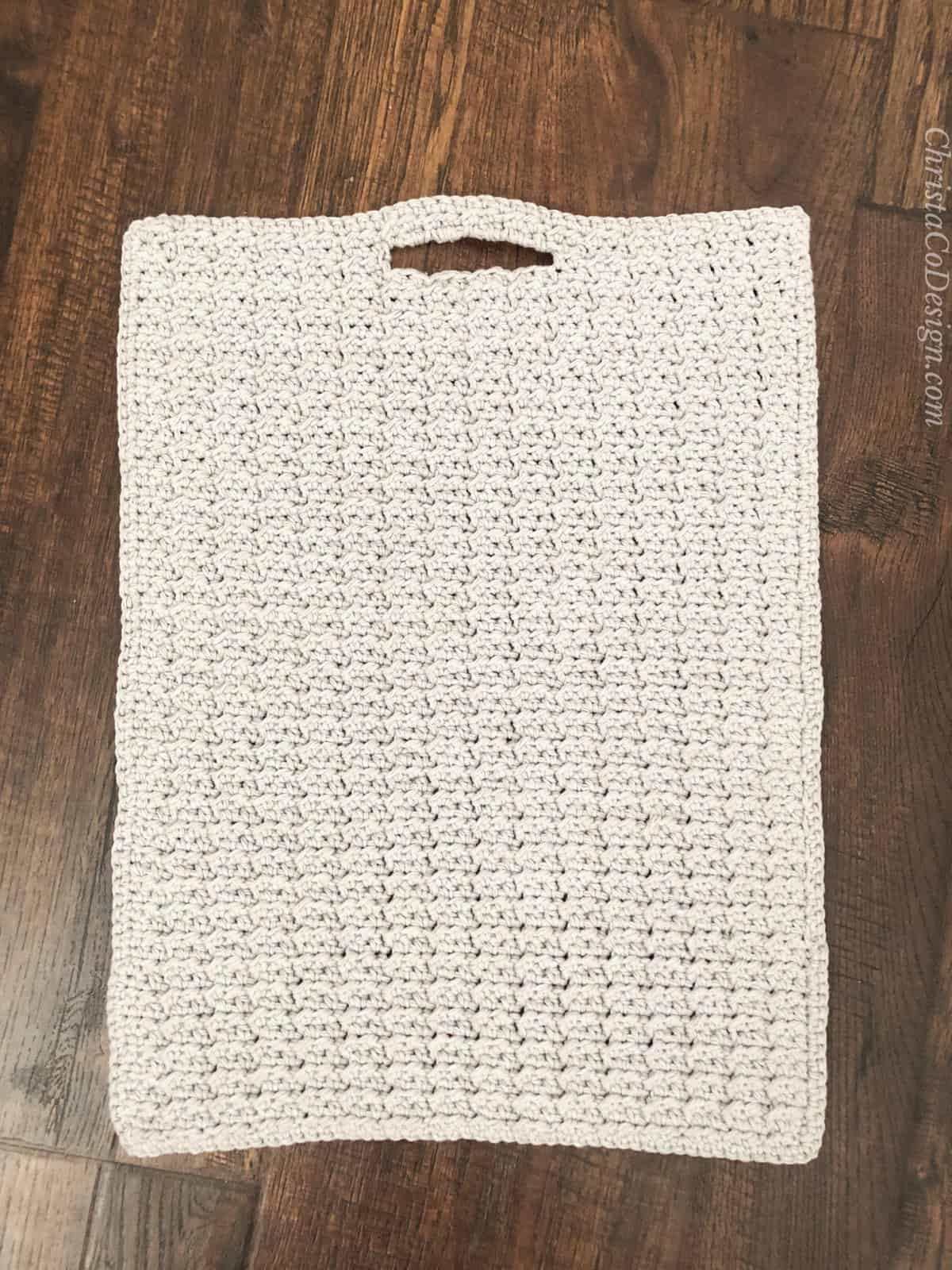 Crochet kitchen towel pattern with built in loop for hanging.