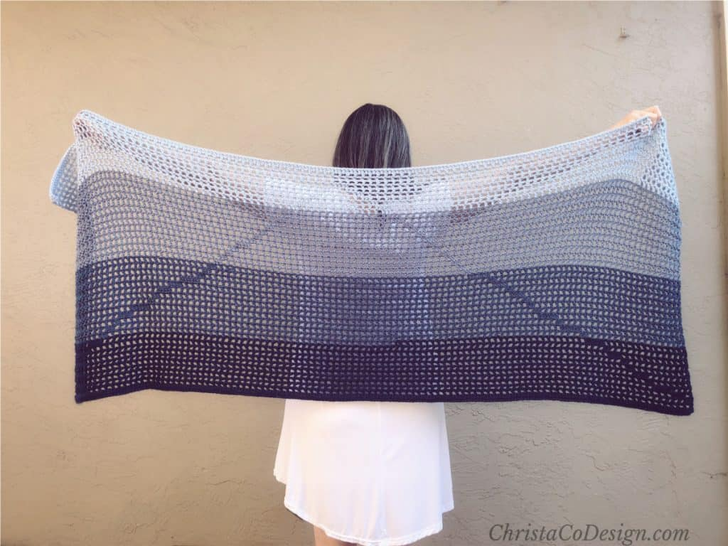 Blue ombre crochet summer shawl with mountain detail free crochet pattern.